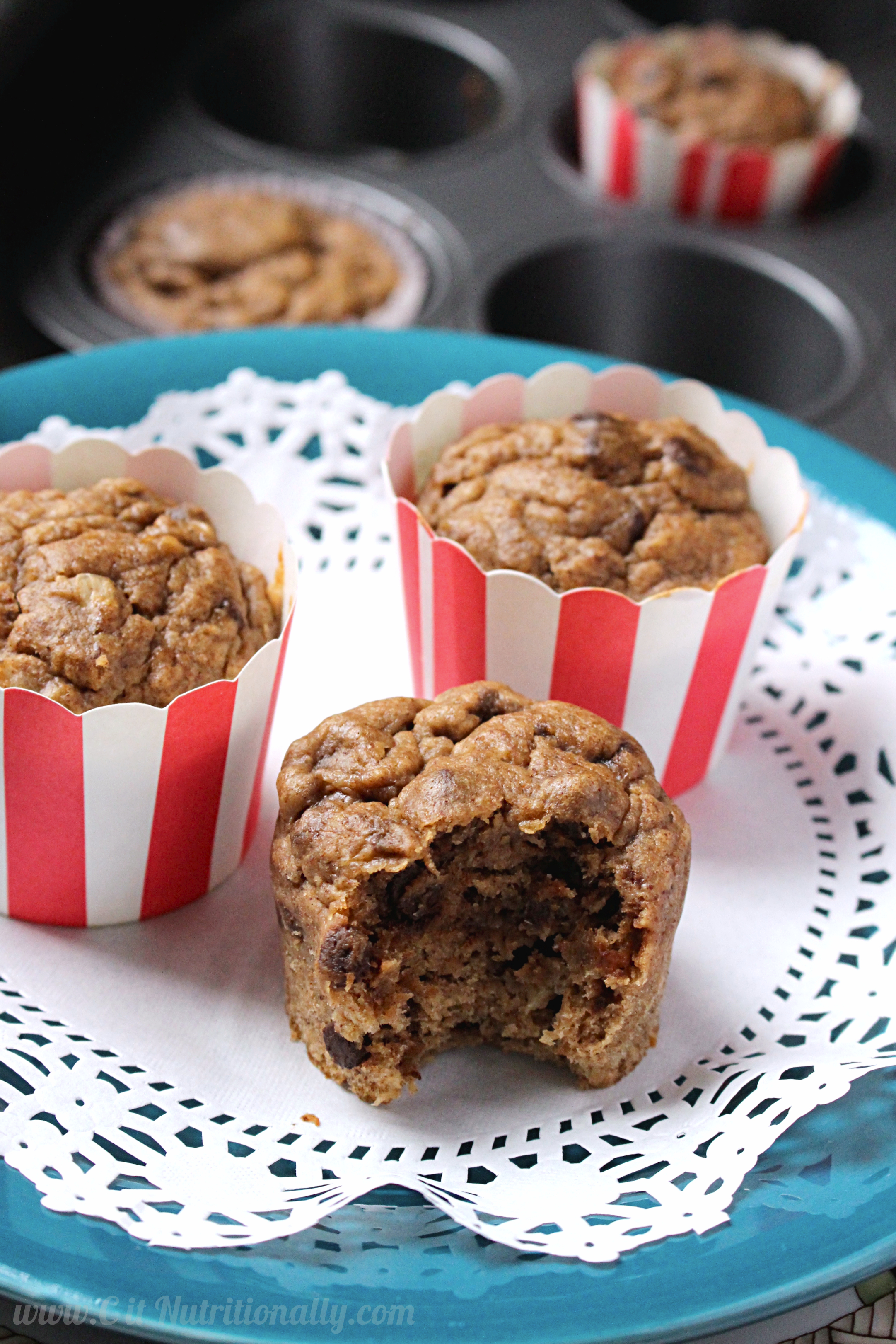 vegan banana bread muffins with no added sugar c it nutritionally. Black Bedroom Furniture Sets. Home Design Ideas