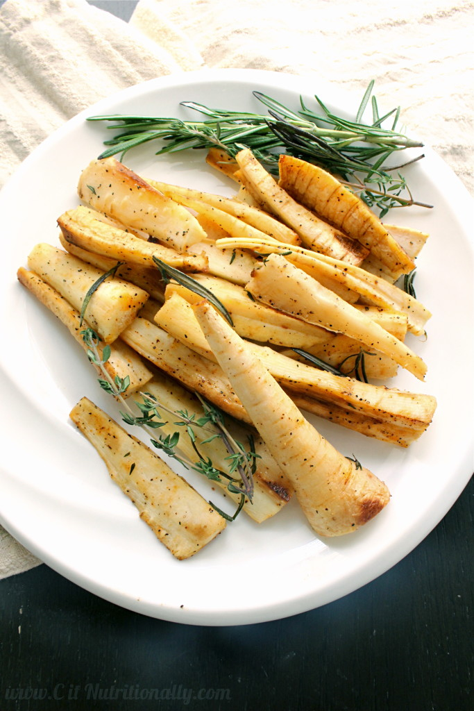 Simple Roasted Parsnips with Rosemary and Thyme | C it Nutritionally #glutenfree #thanksgiving #sidedish
