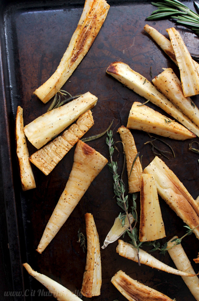 Simple Roasted Parsnips with Rosemary and Thyme | C it Nutritionally