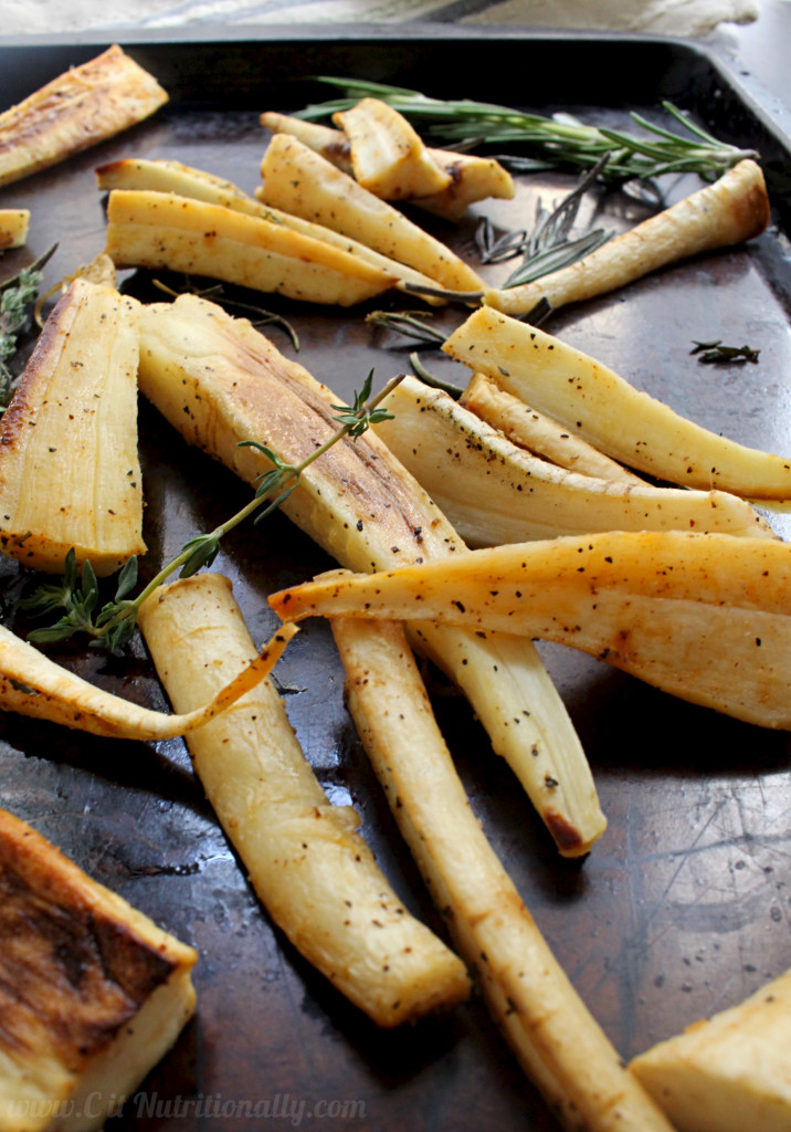Simple Roasted Parsnips with Rosemary and Thyme | C it Nutritionally #glutenfree #vegan #grainfree