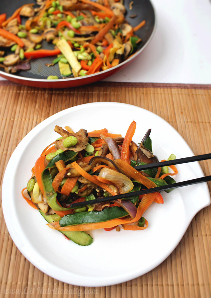 Simple Veggie Stir Fry | C it Nutritionally #glutenfree #vegan #meatlessmonday #vegetarian #30minutemeals