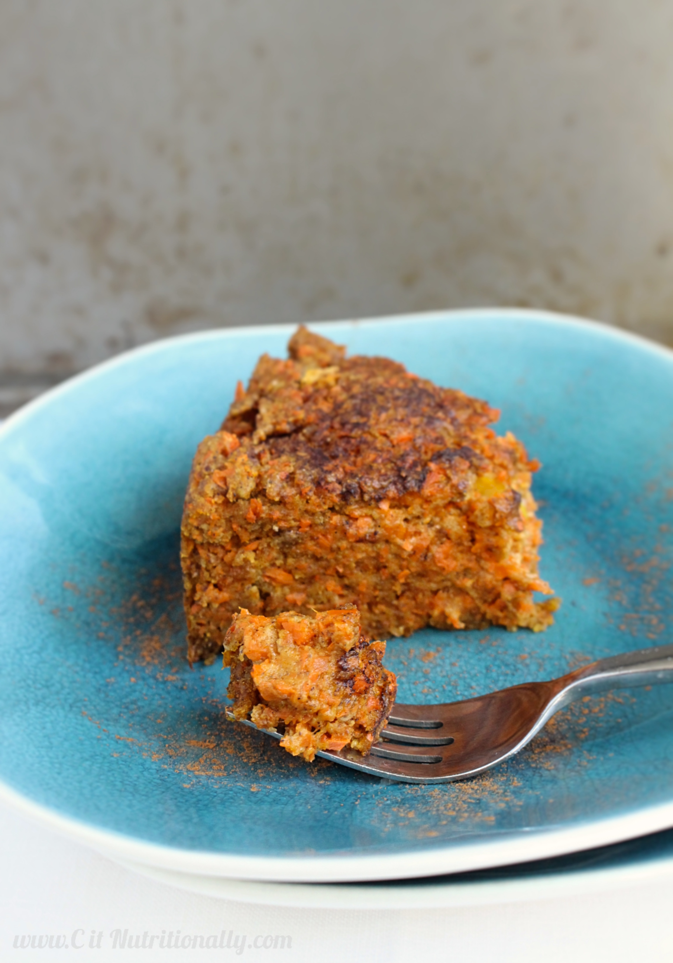 Healthier Carrot Pudding {vegan} | C it Nutritionally A great addition to your Thanksgiving table! Made with 100% whole wheat flour, sweetened with date sugar and apples, and full of delicious nutrition!
