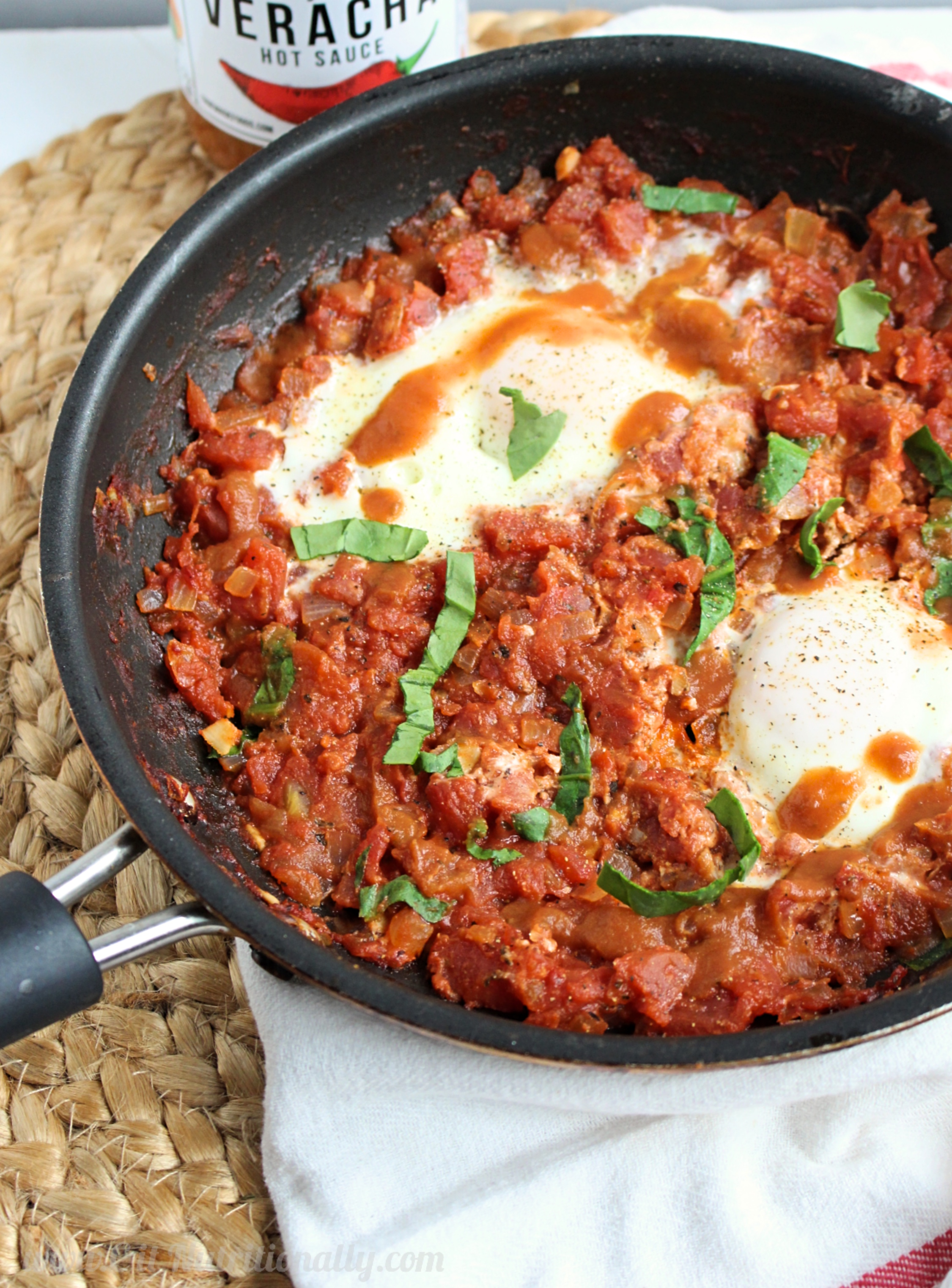 Simple and Spicy Shakshuka | C it Nutritionally #sponsored