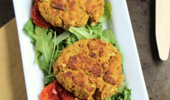 7 Ingredient Old Bay Spiced Salmon Cakes