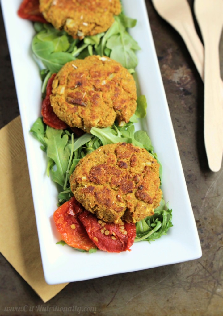 My 8 ingredient Old Bay Spiced Salmon Cakes are part of a simple, approachable, 30 minute weeknight meal that's budget friendly and loaded with nutritious punch too! | C it Nutritionally