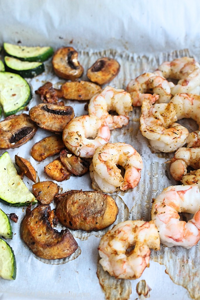 Unsure of what you can make for dinner in less than 20 minutes that's nutritious, delicious and full of fresh food?! Then this 20 minute sheet pan shrimp dinner is exactly what you need! | 20 Minute Sheet Pan Shrimp Dinner | C it Nutritionally