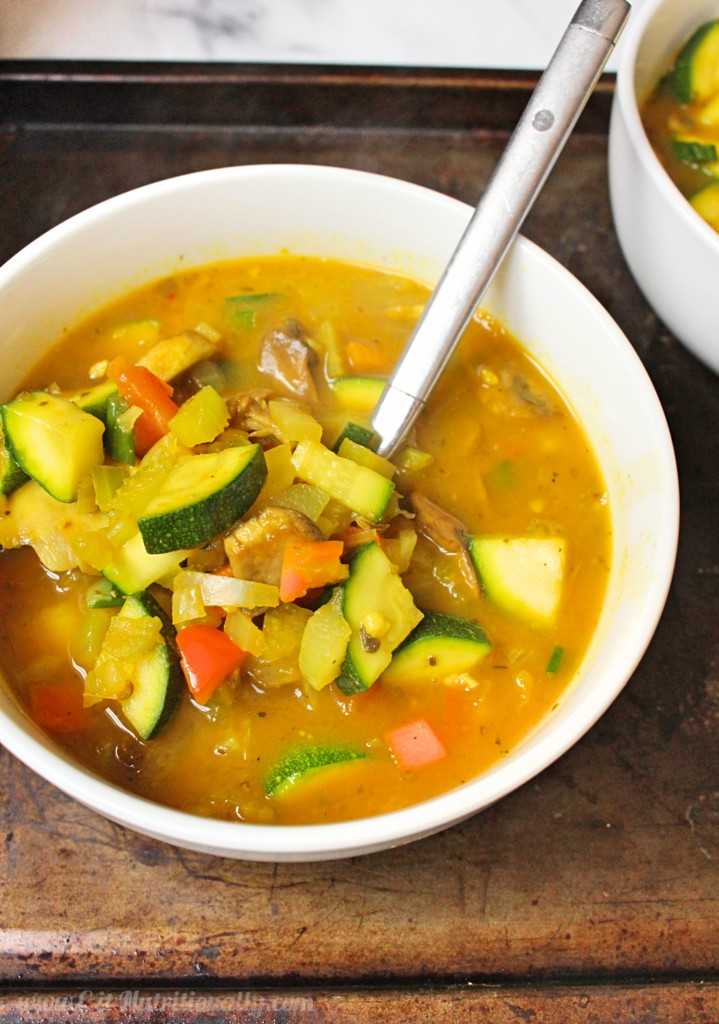 Fight the flu and prevent that pesky cold that's going around with this 30 minute Immune Boosting Veggie Soup that really only takes 30 minutes to make! Vegan, gluten free, grain free, paleo, Whole30, nut free, dairy free, egg free 30 Minute Immune Boosting Veggie Soup + Video! | C it Nutritionally