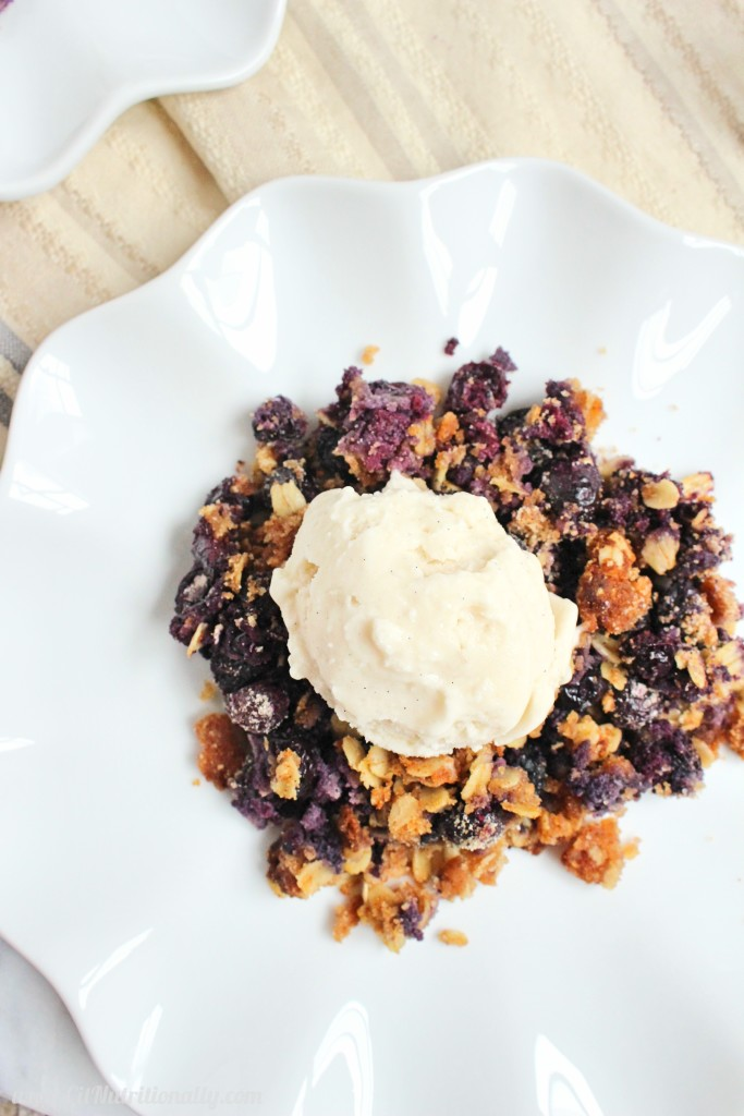 Simple, delicious and fresh, this Easy Gluten Free Blueberry Crisp is going to become your go-to dessert of the summer! Vegan option, Gluten free, Nut free, Egg free, Dairy free option, Soy free