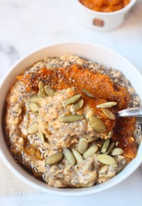 Pumpkin Pie Overnight Oats | C it Nutritionally | Creamy, delicious and full of fall flavor, these 5-Ingredient Pumpkin Pie Overnight Oats are the perfect breakfast to transition from warm summer days to cool fall mornings with protein, fiber and tons of flavor!