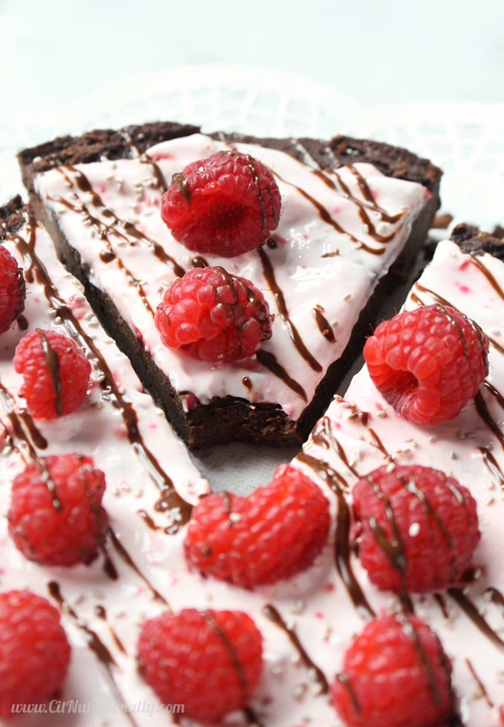 Vegan Brownie Pizza | C it Nutritionally by Chelsey Amer, MS, RDN Take a bite into this vegan brownie pizza for a delicious chocolatey treat that's every bit delicious as it is nutritious. Vegan, Gluten Free, Grain Free, Nut Free, Egg Free, Dairy Free, Low Sugar